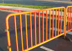 Our TurtleGuard Railing System may look like a typical crowd control barrier, but they are far superior. With a lighter weight, better material, and the ability to add custom slip-covers, you'll want to choose these over standard pedestrian barricades from other companies.