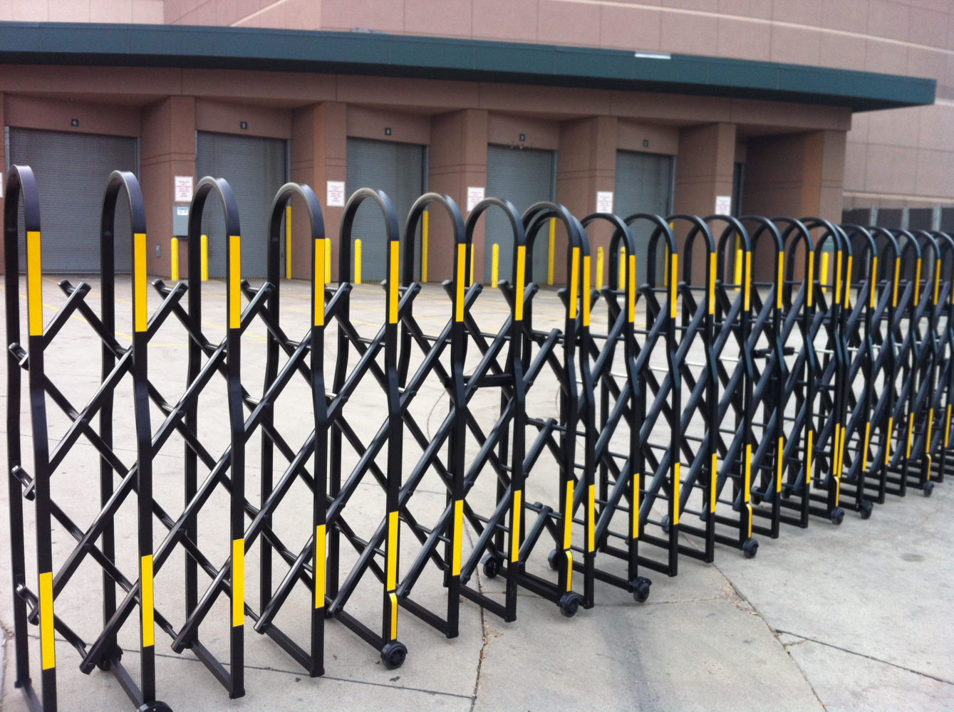 municipal series flat strap pedestrian safety barriers is available in multiple colors